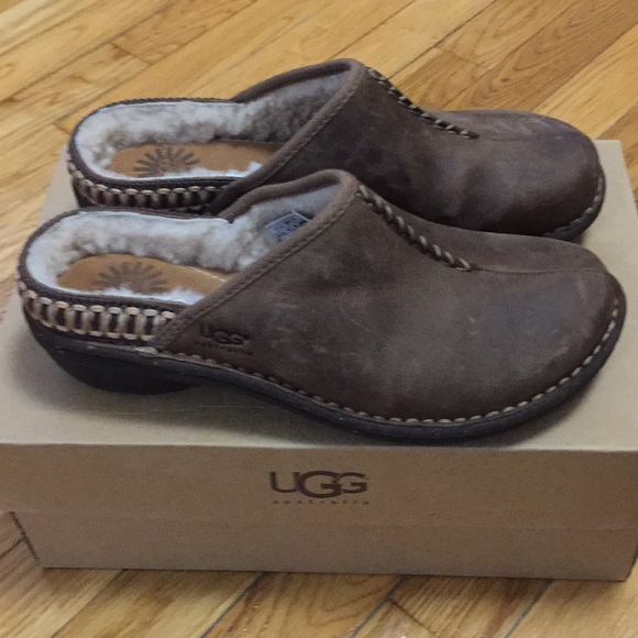 Ugg Kohala Clog in Brown Leather - Brand New!